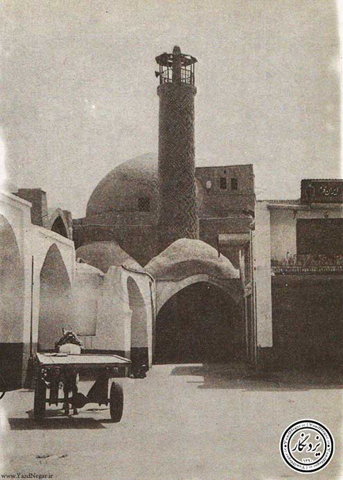 میدان خان و مناره مسجد ریگ